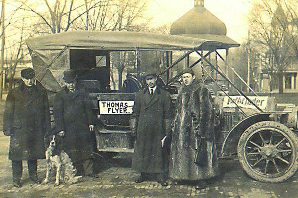 postcard-thomas-flyer-automobile