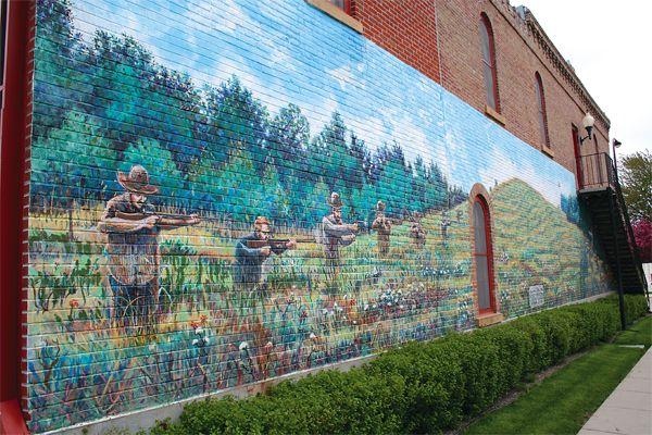 madelia-mural