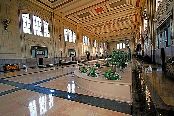 Riding the Southwest Chief from Kansas City to Los Angeles.