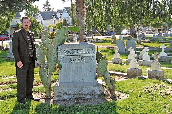 A new biography tells the true story of California outlaw Tiburcio.