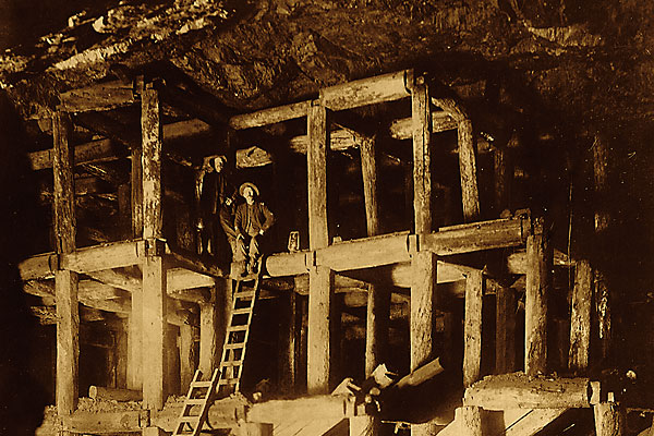 deadwood_gold_mining_soulth-dakota_mountain-grand_hotel_casino