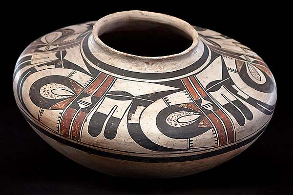 tewa-hopi-potter_pueblo_cowan_auction