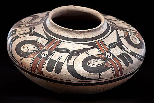 tewa-hopi-potter_pueblo_cowan_auction
