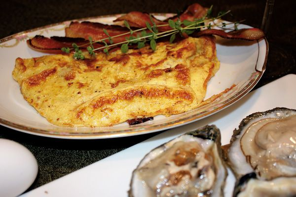 ecipe-frontier-fry_eggs-bacon-oysters
