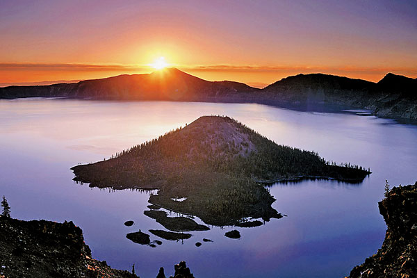 crater-lake-national-park-sunset