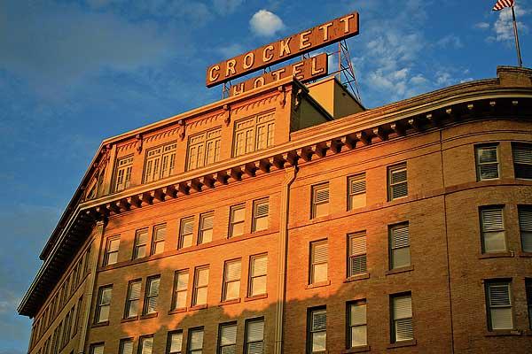 Crocett-Hotel_San-Antonio-Texas