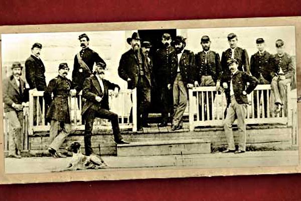 bozeman trail Fort-Ellis-Montana-1871-Bozeman-Trail-historical-photo