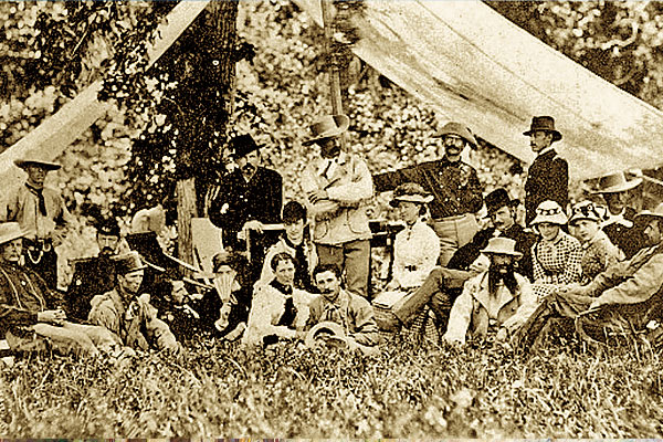 military-wives_old-west