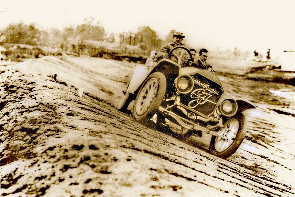 Carl-Fisher-_Indianapolis-Motor-Speedway_dirt-devils
