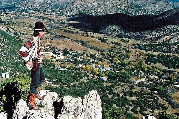 Lincoln-New-Mexico-Billy-overlooking-town