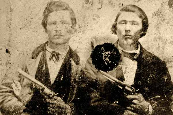 Frank-and-jesse-james_1860-Army-Colt-44_Model-1861-Remington-44-Army-revolver