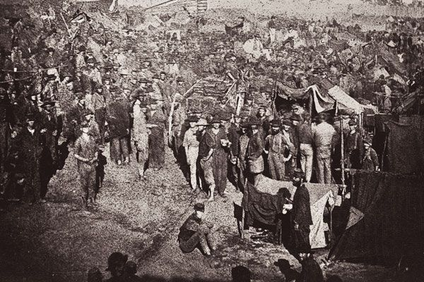 Andersonville-Prison-Ga-1864-Issuing-rations