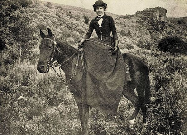 Sidesaddle Womens History True West Features