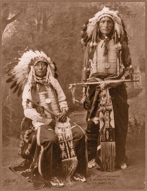 feathered bonnets headdress medals black horn james lone elk sioux warriors true west magazine